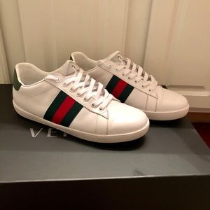 Gucci Ace tennis shoe in vitello leather.
